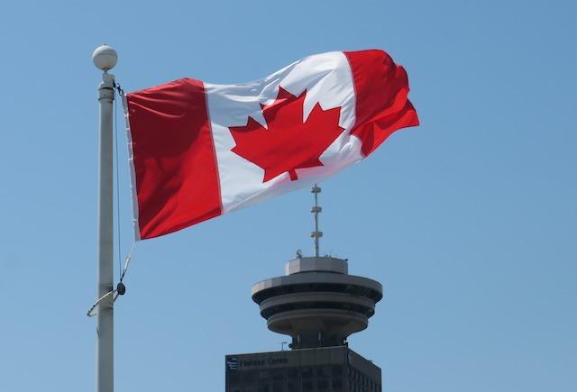캐나다 데이에 미국쇼핑? 눈총 받을 수도