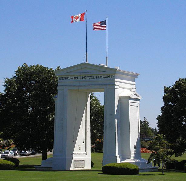 피스아치, 캐나다 미국 국경