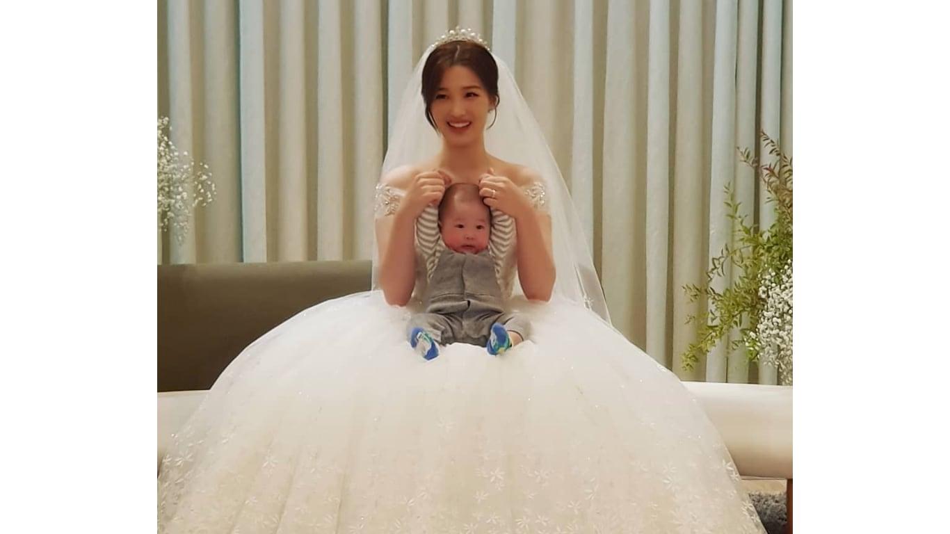 율희 결혼식 사진