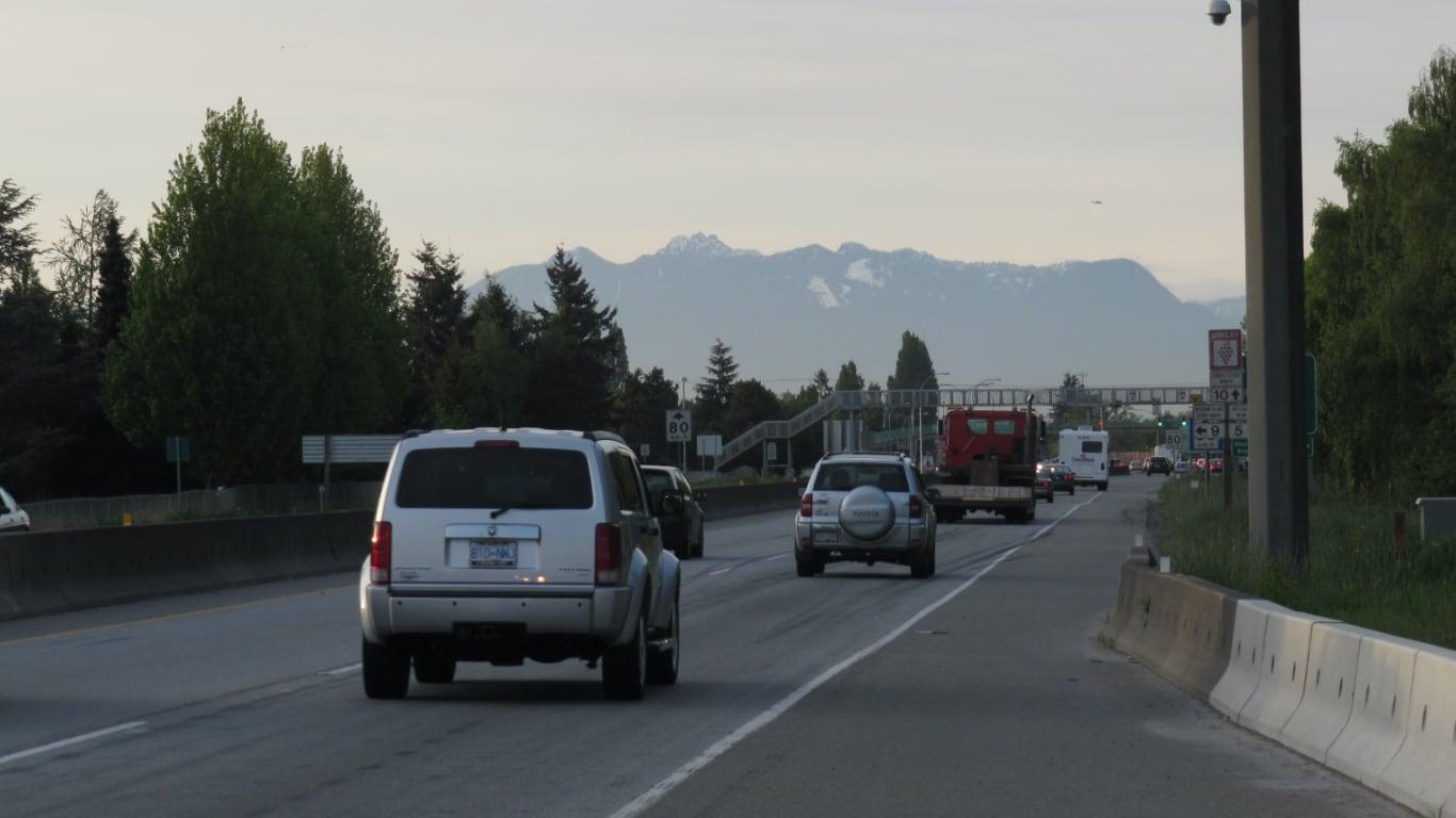 메시터널 인근 도로