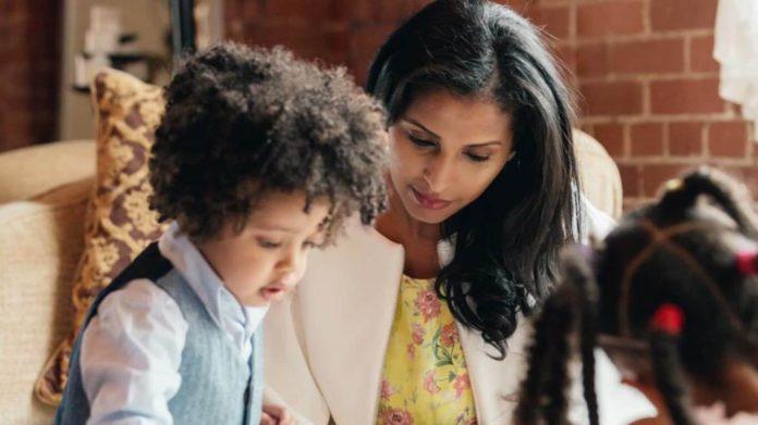 코로나19에 캐나다 엄마들 스트레스 늘어나 14 mother